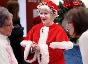 Joan_as_Mrs_Claus